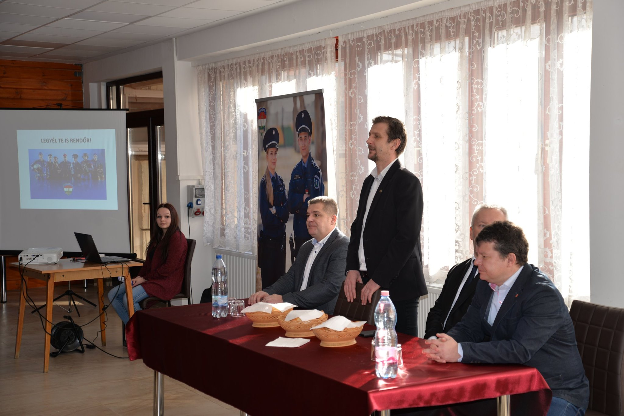 Rendészeti kabinet átadó a Dériben